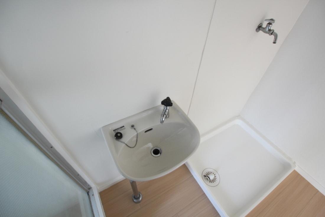洗面台+洗濯機置場