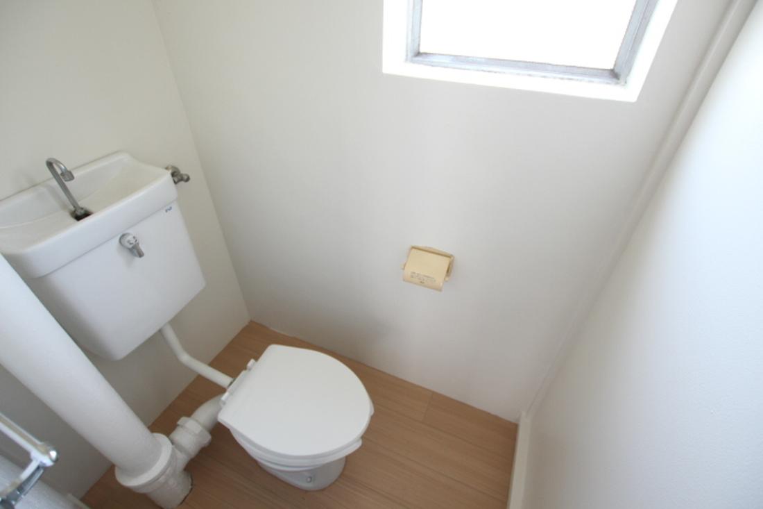 トイレに窓あり