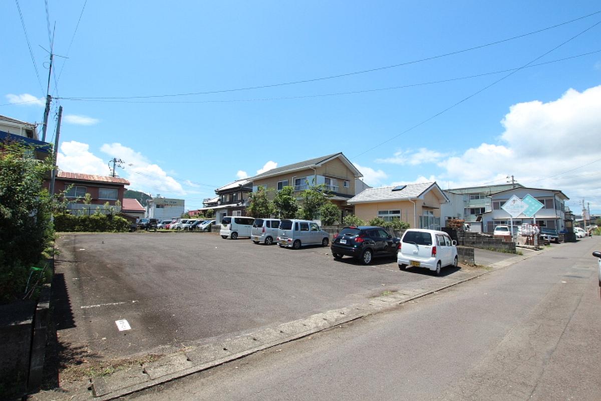 駅前駐車場