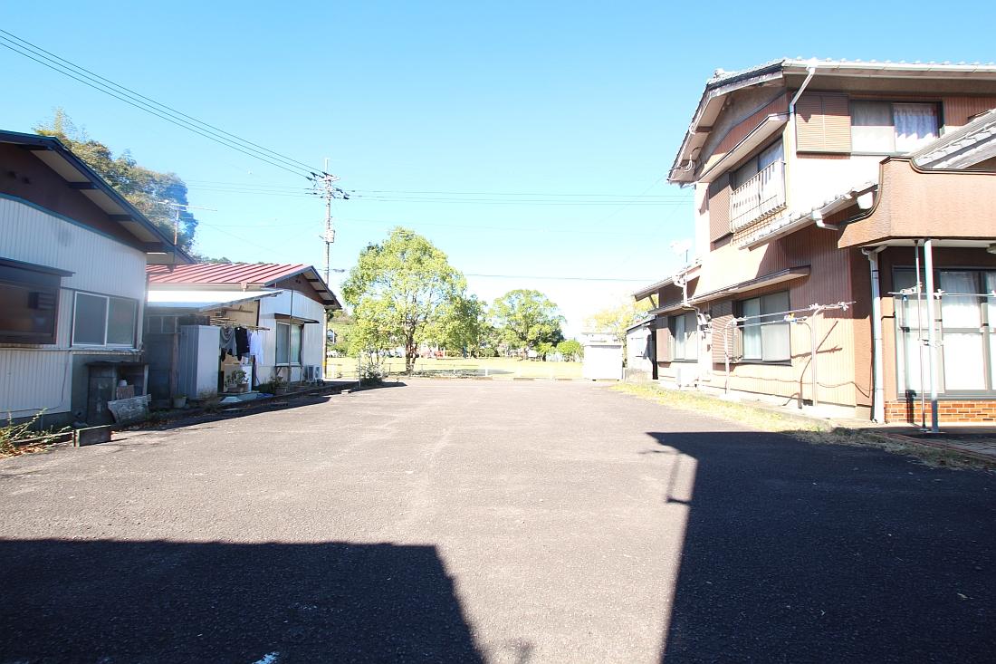 岡ノ下公園駐車場2