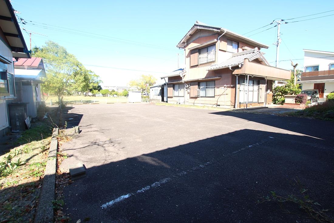 岡ノ下公園駐車場3