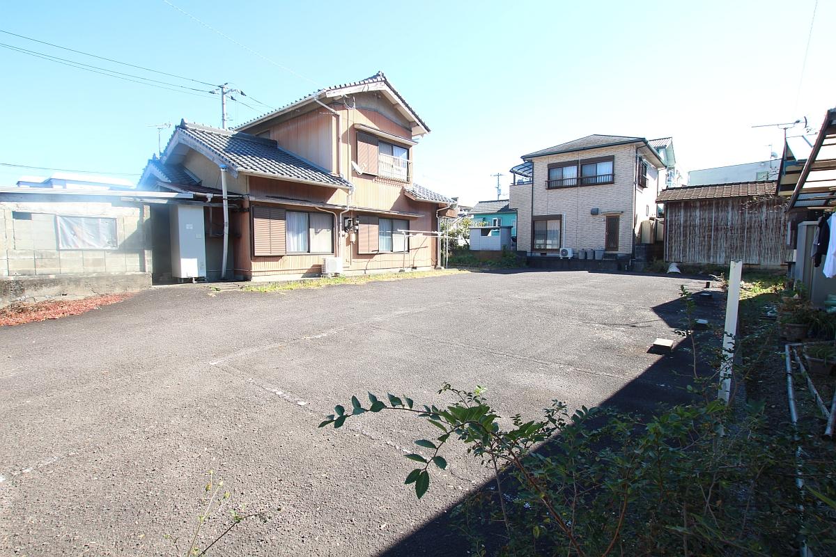 岡ノ下公園駐車場1