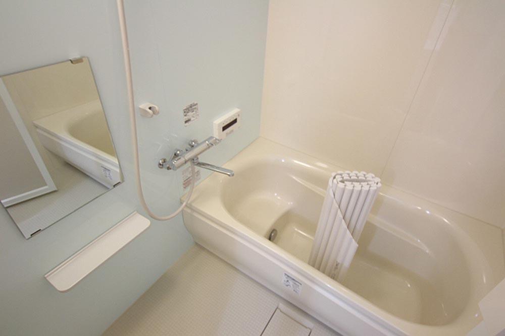 お風呂は一坪風呂