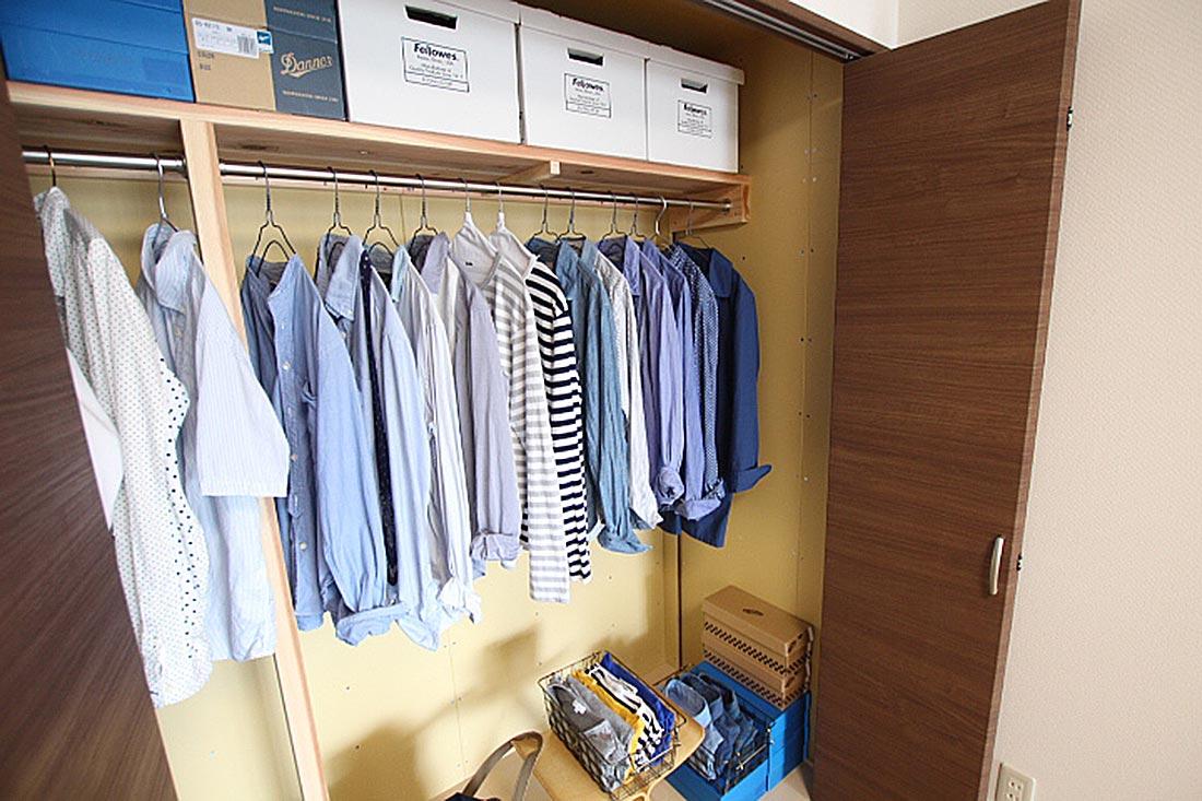 ブルー系のシャツが多いです。