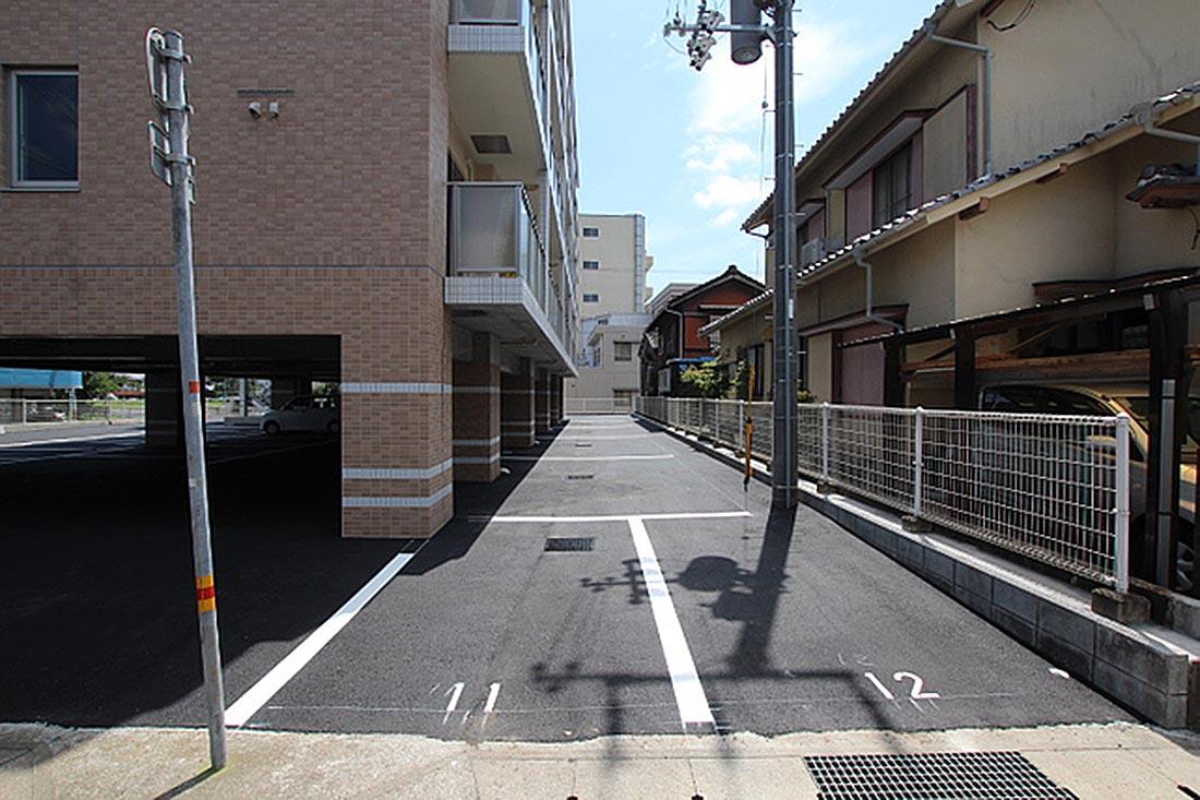 軽専用の駐車スペース2台。