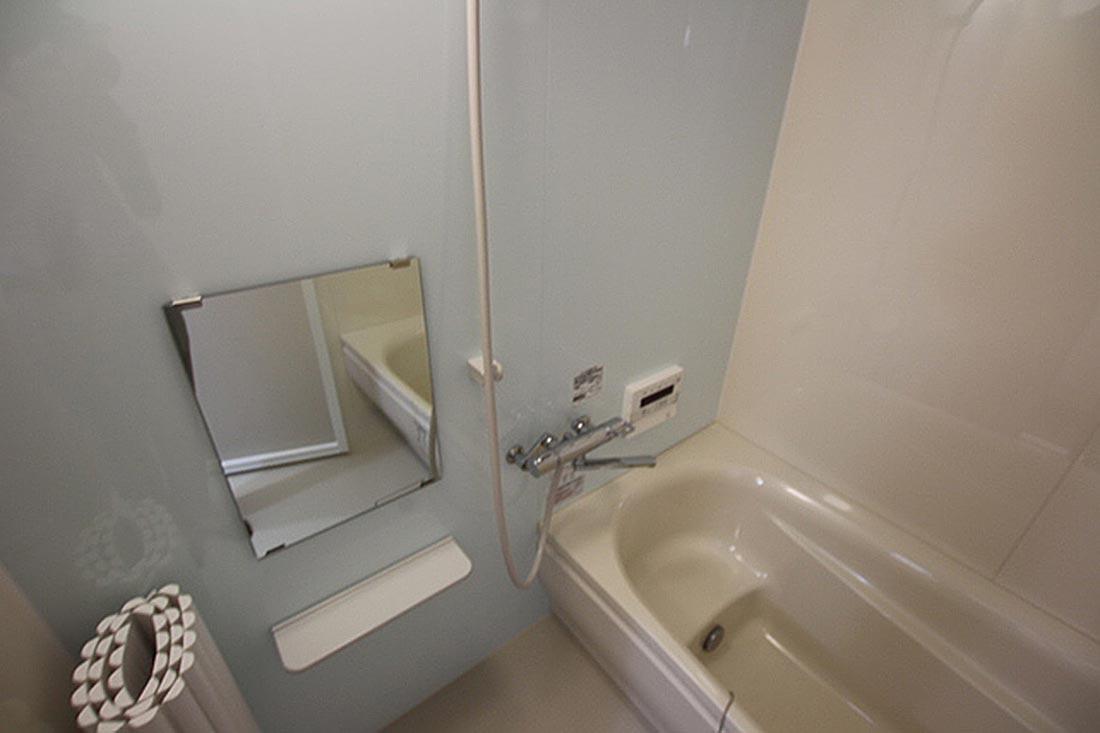 鏡などは通常の設備です。