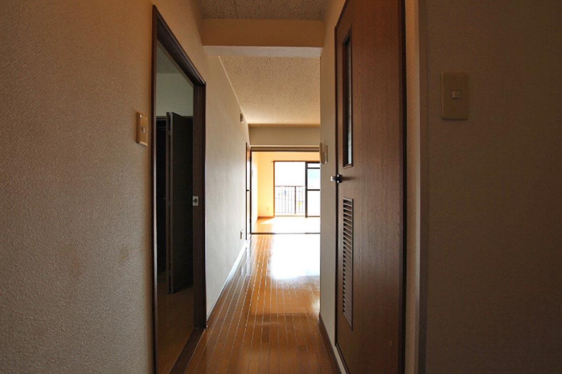 玄関からの様子