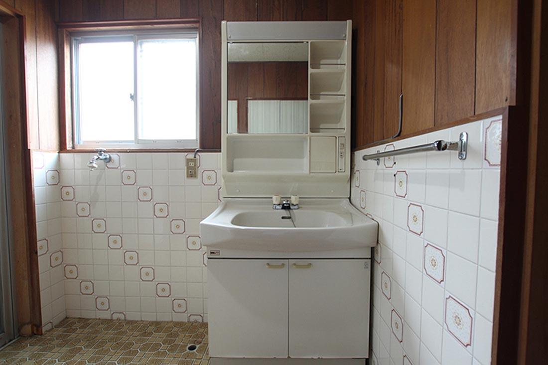 洗濯機置き場+洗面化粧台
