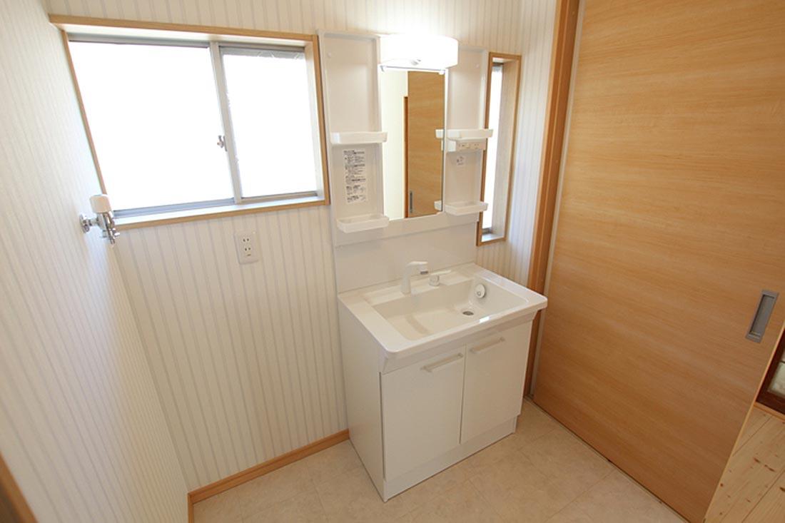 洗面化粧台+洗濯機置き場